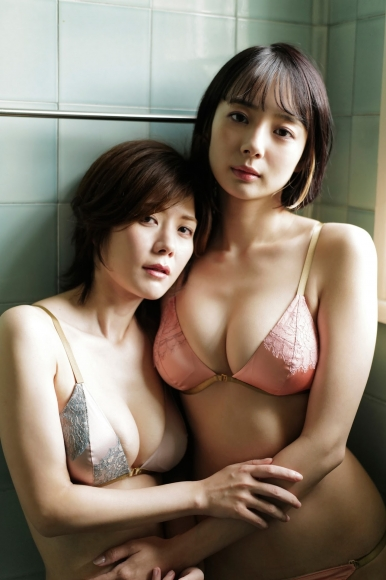 Mari Takamiya Saka Okada swimsuit gravure Big tits too female mahjong021