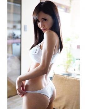 Asian Beauty and European Beauty Model Pamela Asabi Gravure Swimsuit Images013
