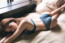 Asian Beauty and European Beauty Model Pamela Asabi Gravure Swimsuit Images019