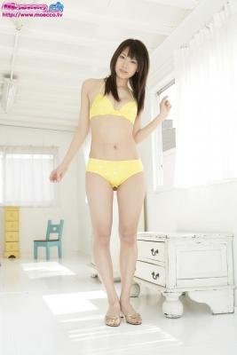 Kurosawa Karasu swimsuit gravure Yellow bikini006