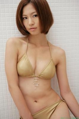 Misako Yasuda Swimsuit Images007