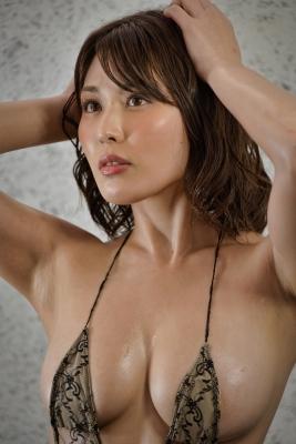 Tomomi Kaneko swimsuit gravure F breast selfish BODY 009