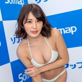 Tomomi Kaneko swimsuit gravure F breast selfish BODY 016