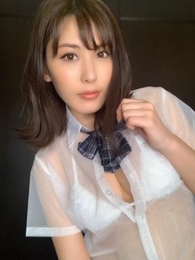 Tomomi Kaneko swimsuit gravure F breast selfish BODY 018