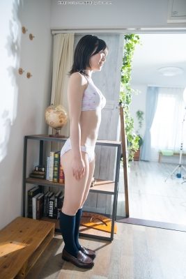 Risa Sawamura swimsuit gravure Floral pattern bikini042