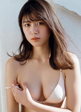 Tamayo Kitamukais swimsuit gravure first photo book goes on sale immediately2012
