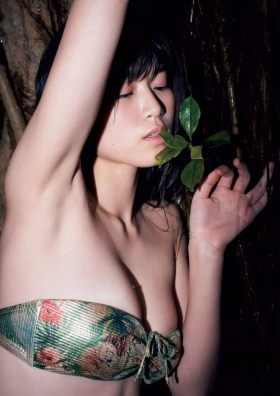 Tamayo Kitamukais swimsuit gravure first photo book goes on sale immediately2033