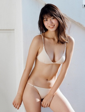Tamayo Kitamukais swimsuit gravure first photo book goes on sale immediately2039