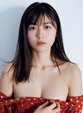 Tamayo Kitamukais swimsuit gravure first photo book goes on sale immediately2040