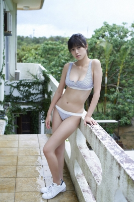 Tamayo Kitamukais swimsuit gravure first photo book goes on sale immediately2041