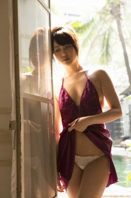Asakura Mina Gravure Swimsuit Images035