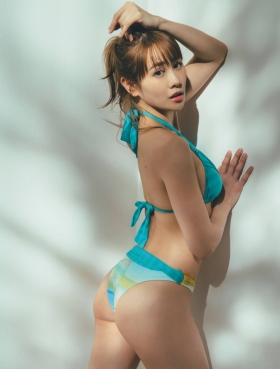 Kanna Hyuga the muchtalked about beauty tries her hand at lingerie in her first gravure003