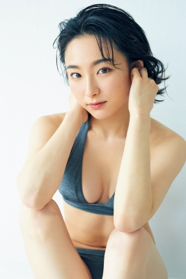 Yuu Saotome Swimsuit Gravure: From Girl to Actress 2021004