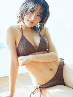 Yuu Saotome Swimsuit Gravure: From Girl to Actress 2021008