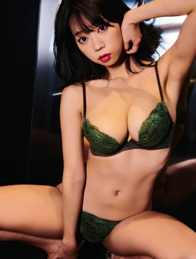 Hikaru Aoyama swimsuit underwear gravure 004