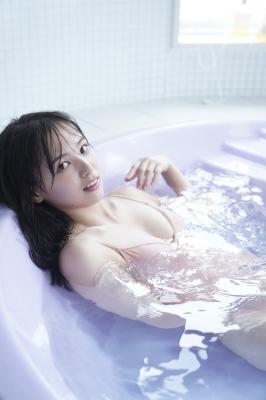 Saki Tateno Swimsuit Gravure Bathing Tube Top Black 2021001