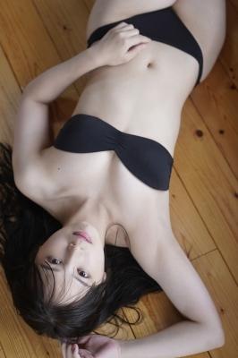 Saki Tateno Swimsuit Gravure Bathing Tube Top Black 2021006