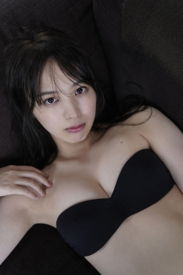 Saki Tateno Swimsuit Gravure Bathing Tube Top Black 2021007
