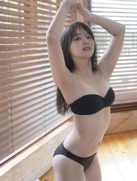 Saki Tateno Swimsuit Gravure Bathing Tube Top Black 2021008