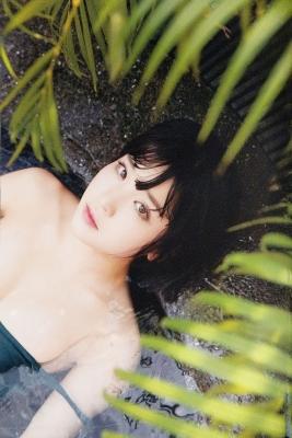 The Last Cinderella Girl of the Heisei Era Nagi Nemoto Gravure Swimsuit Images019