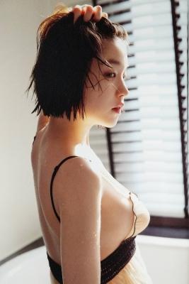 The Last Cinderella Girl of the Heisei Era Nagi Nemoto Gravure Swimsuit Images057