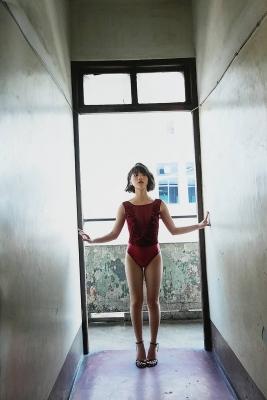 The Last Cinderella Girl of the Heisei Era Nagi Nemoto Gravure Swimsuit Images097