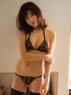 Reimi Osawa Gravure Swimsuit Bikini Image057