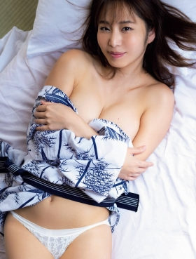 Misumi Shiochi underwear images Japans sexiest announcer shows off her soothing bountiful body 2021005