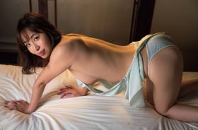 Misumi Shiochi underwear images Japans sexiest announcer shows off her soothing bountiful body 2021008
