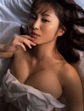 Misumi Shiochi underwear images Japans sexiest announcer shows off her soothing bountiful body 2021009