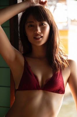 Kazusa Okuyama swimsuit gravure020