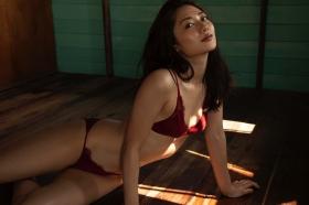 Kazusa Okuyama swimsuit gravure025