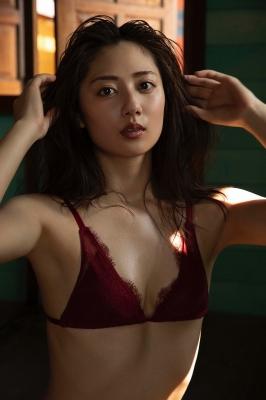 Kazusa Okuyama swimsuit gravure027