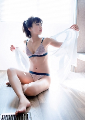 Akane Sakanoue first and last swimsuit Branch Girl 2021002