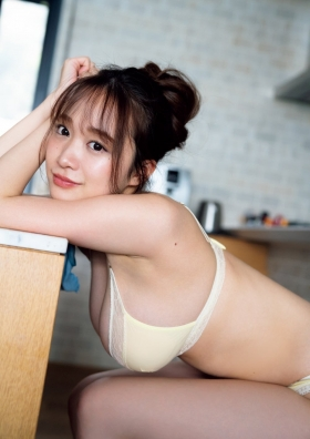 Aoi Haru Swimsuit Gravure Warmth of spring a step early Haru came 2021007