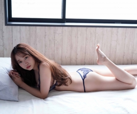 Aoi Haru Swimsuit Gravure Warmth of spring a step early Haru came 2021012