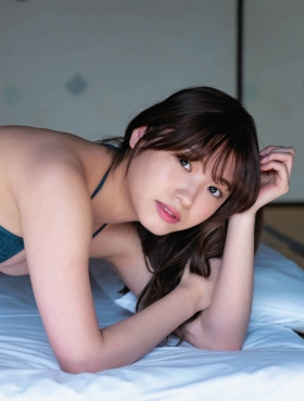 Airi Furuta swimsuit gravure Exquisite body that seems to reach but doesnt reach 2021007