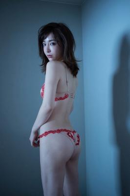 Wataru Takeuchi swimsuit gravure Japans most beautiful 34yearold latest body unveiled 004