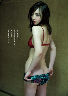 Wataru Takeuchi swimsuit gravure Japans most beautiful 34yearold latest body unveiled 011