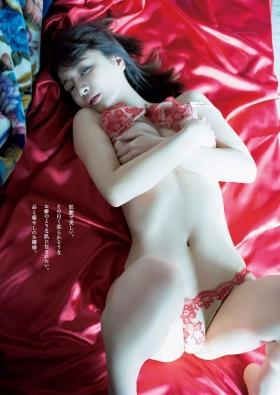 Wataru Takeuchi swimsuit gravure Japans most beautiful 34yearold latest body unveiled 012