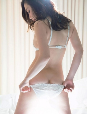 Wataru Takeuchi swimsuit gravure Japans most beautiful 34yearold latest body unveiled 040