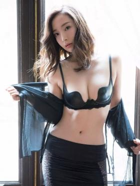 Wataru Takeuchi swimsuit gravure Japans most beautiful 34yearold latest body unveiled 043