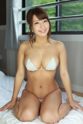 Rina Hashimoto swimsuit gravure I will not bend my conviction to keep the blackest in Japan only with natural light 2021033