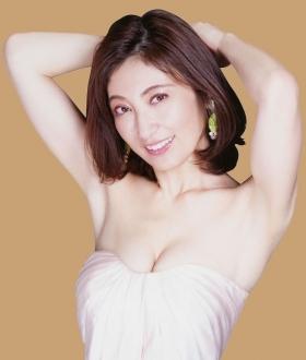 Yohko Kumada swimsuit gravure Take a look at her miraculous body004