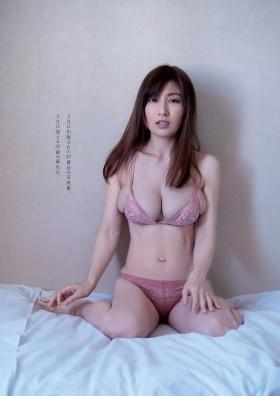 Yohko Kumada swimsuit gravure Take a look at her miraculous body f020