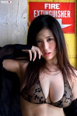 A little bit adult Nonami Takizawa Gravure Swimsuit Images006
