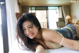 A little bit adult Nonami Takizawa Gravure Swimsuit Images041