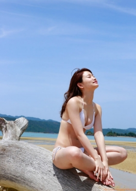 Mariya Nagaothe No1 beauty idol of AKB48in a swimsuit bikini001