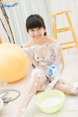 Yuzu Shirasaki Swimsuit Gravure Beautiful girl in bubble shower White swimsuit White bikini002