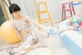Yuzu Shirasaki Swimsuit Gravure Beautiful girl in bubble shower White swimsuit White bikini009